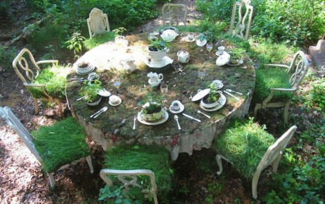 Resultado de imagen de jardin abandonado